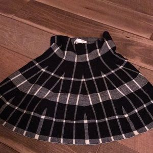 Dresses & Skirts - Size ML skirt—- super stretchy and worn once!